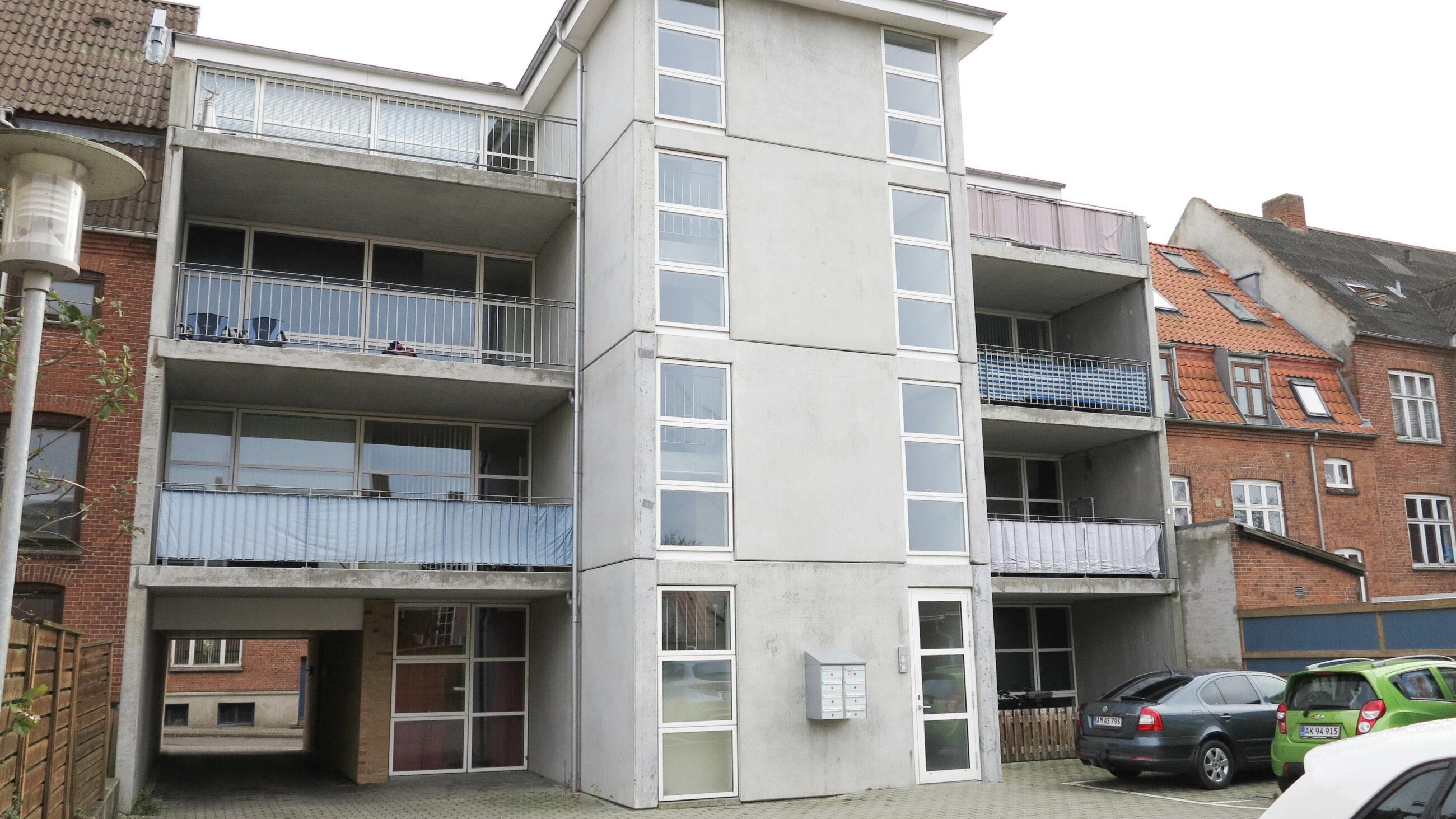 2028_facade1